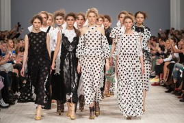 POUSTOVIT. Показ коллекции SS на 37 Ukrainian Fashion Week